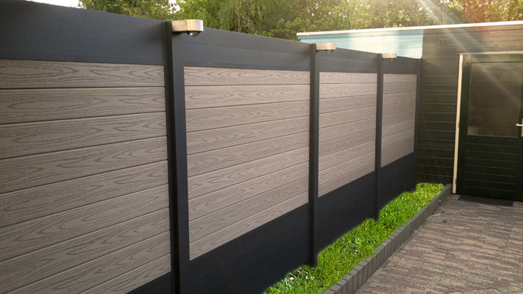 palissade en bois composite et aluminium ideal brise vue palissade cloture de jardin. Black Bedroom Furniture Sets. Home Design Ideas