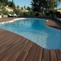 Votre terrasse en bois exotique entourant votre piscine...