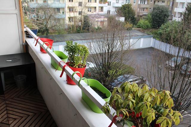 Des lames de terrasse en bois pour un superbe balcon
