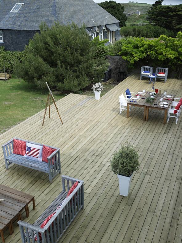 3 conseils pour bien choisir votre terrasse en bois terrasse bois. Black Bedroom Furniture Sets. Home Design Ideas