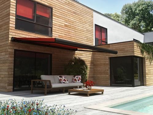 le store banne une protection solaire sur mesure pour votre terrasse guide construction. Black Bedroom Furniture Sets. Home Design Ideas
